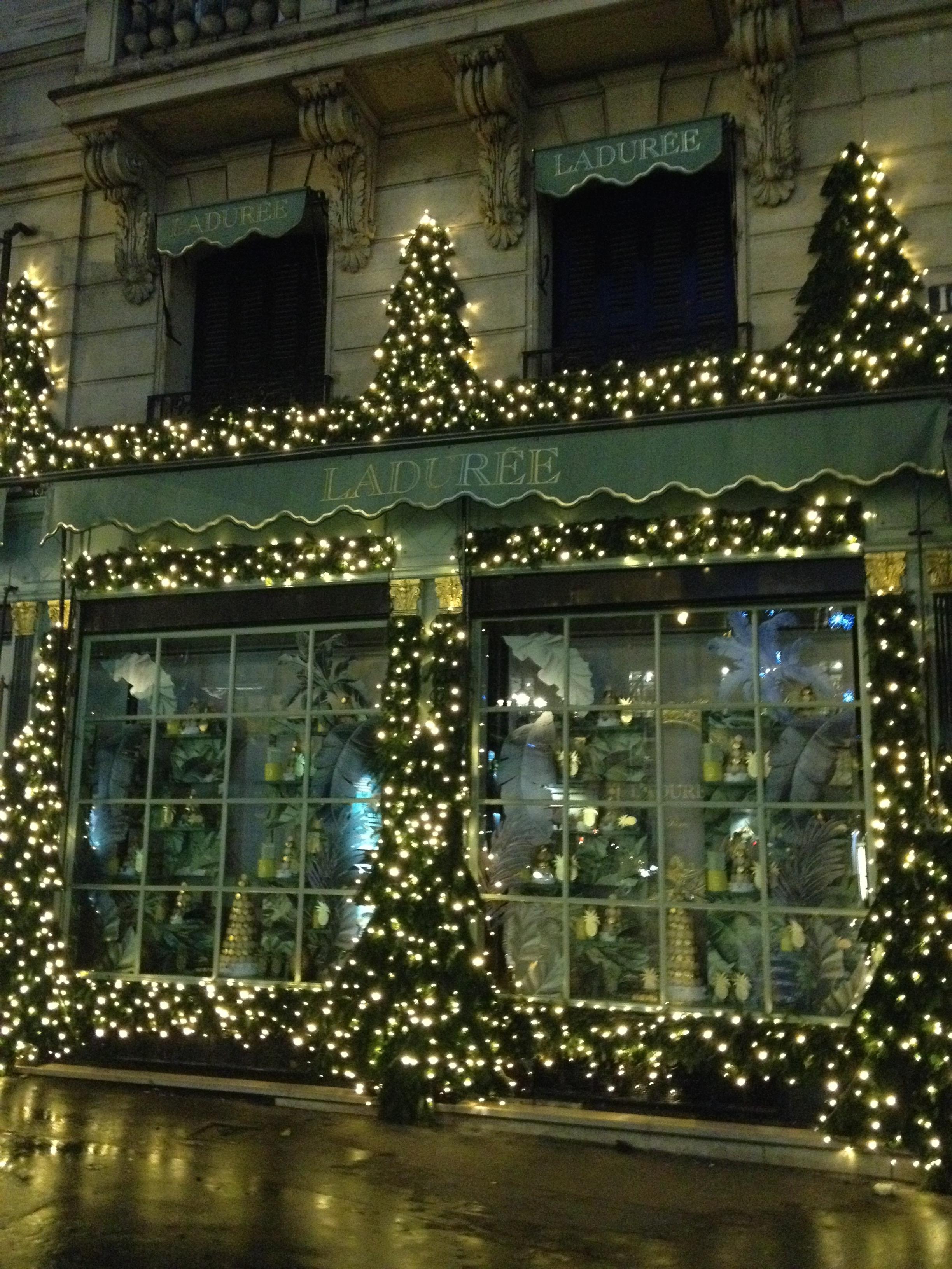 ENDOXIST | Menswear Blogger | Christmas Paris France | Visit Paris | Travel Guide | Toronto Blogger
